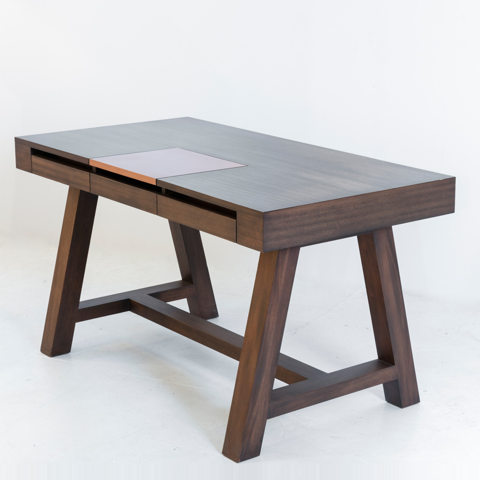 Patrick Naggar - Lucca Desk