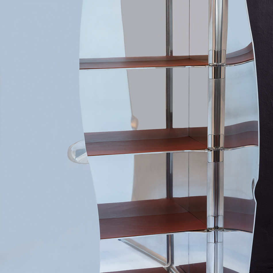 Xavier Lust - Mirror Polished Cabinet