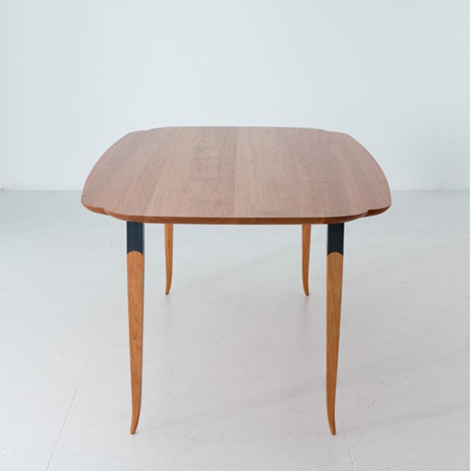 Chris Lehrecke / Gabriella Kiss - Scallop Dining Tables