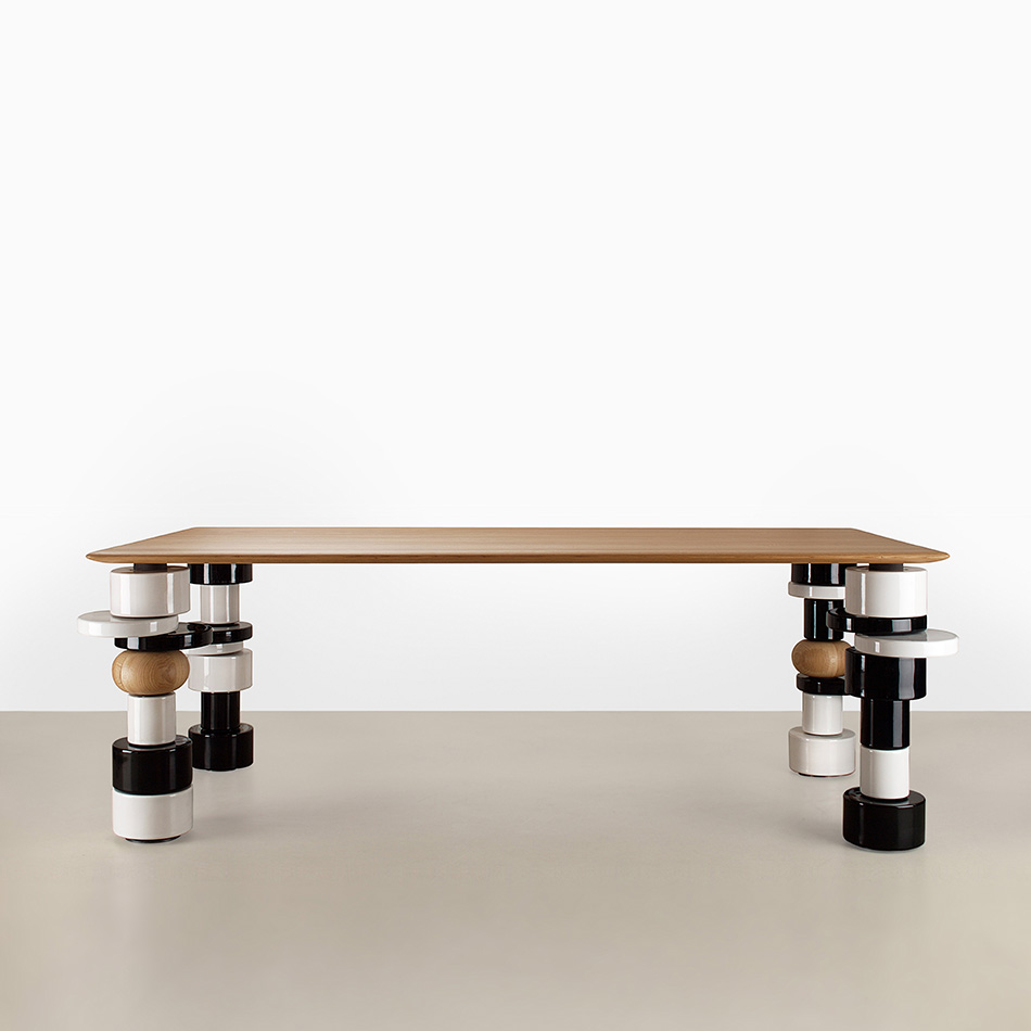 India Mahdavi - Superstarr table